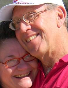 'n Vreemde jong vrou het ons op die strand voorgekeer - Sy wou met my kamera 'n foto van ons neem, omdat ons lyftaal haar laat dink het ons is pas getroud of iets.